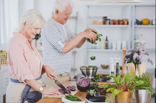 older adults cooking healthy